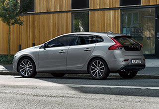 V40 & V40 Cross Country D4 Dynamic Edition