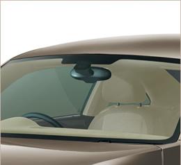 自動でライトやワイパーを作動 オートライトシステム&レインセンサー